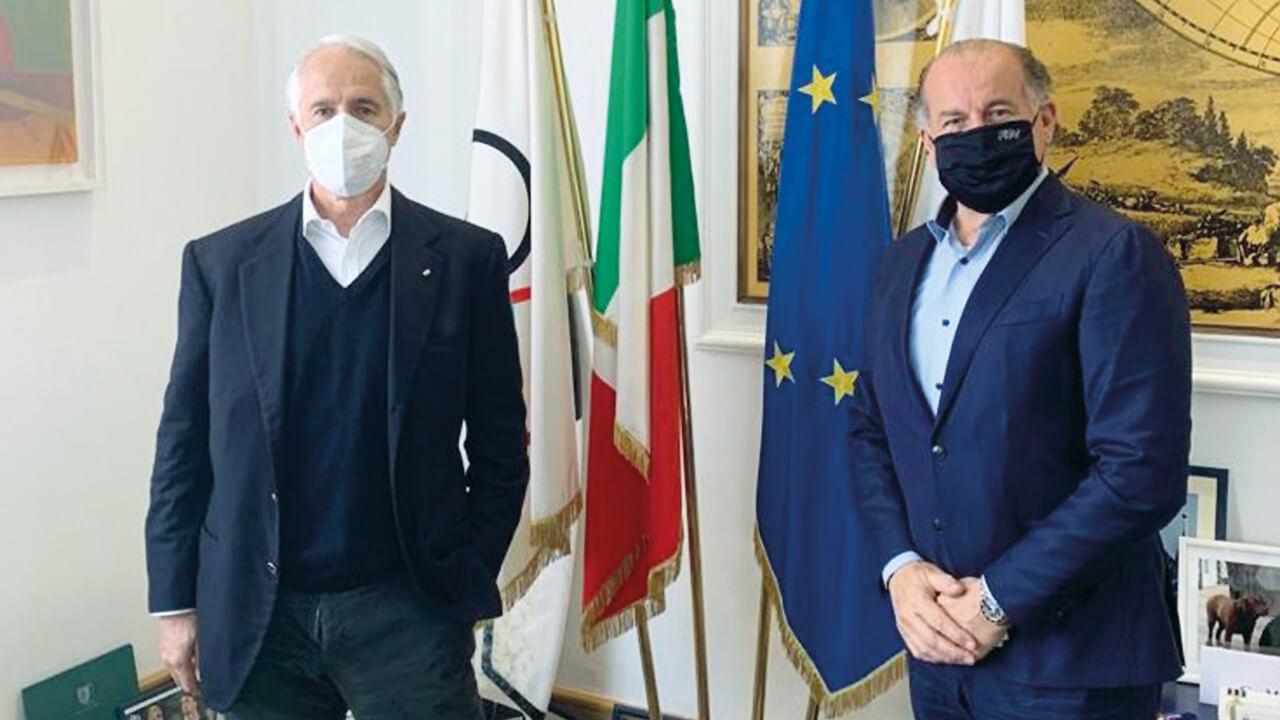 Il presidente del Coni Giovanni Malagò e il presidente della Federazione italiana tiro a volo Luciano Rossi.© Fitav