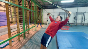 L'azzurro Emanuele Buccolieri nel corso di una seduta di allenamento. © Fitav