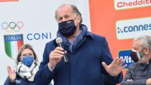 Luciano Rossi sul palco